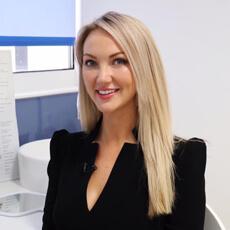 Dr Leah